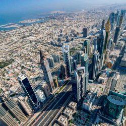 Esta fotografía muestra una vista aérea de la sección Sheikh Zayed Road de la autopista E 11 en el emirato del Golfo de Dubai, durante un recorrido en avión organizado por el gobierno.   Foto:KARIM SAHIB / AFP