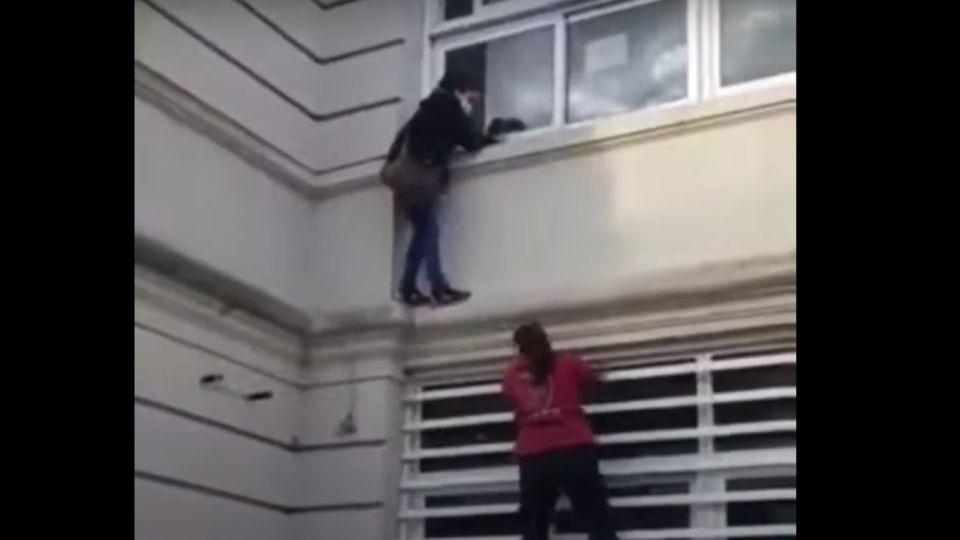 mujer que trató de colarse por la ventana en el Hospital Muñiz