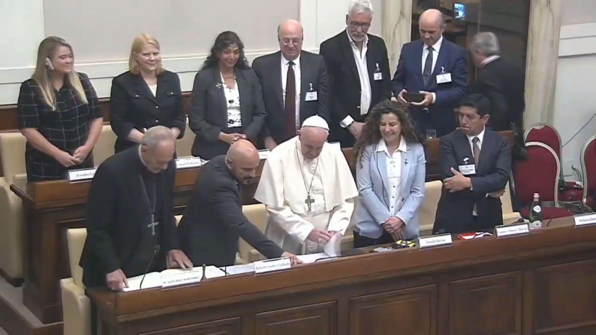 El juez Gallardo con el Papa