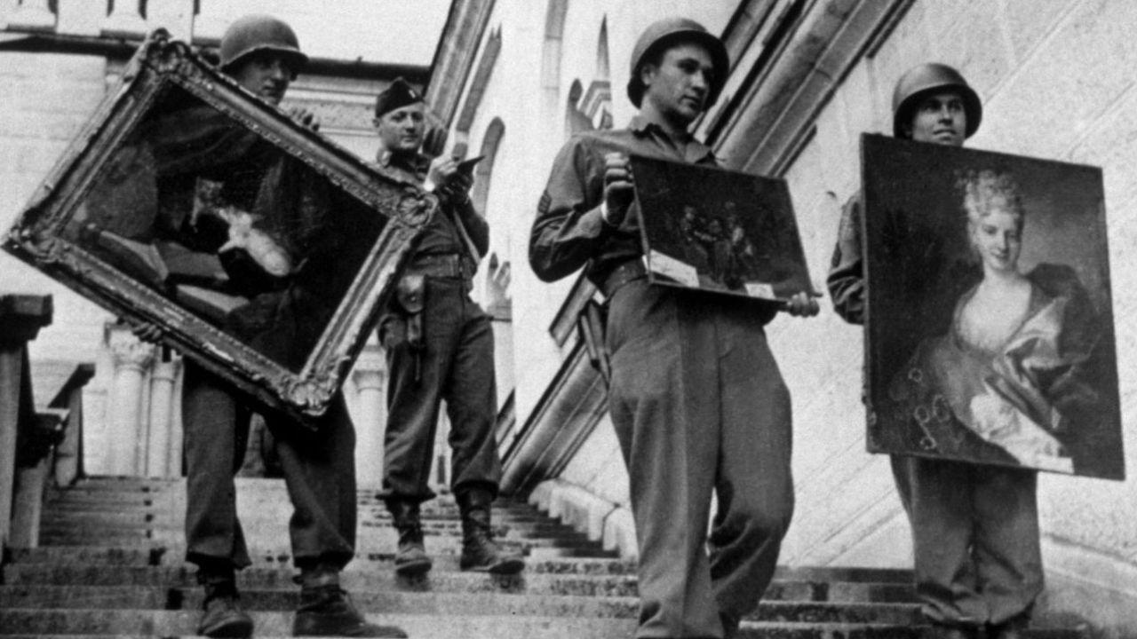 Soldados americanos rescatan obras de arte robadas por los nazis. | Foto:Cedoc