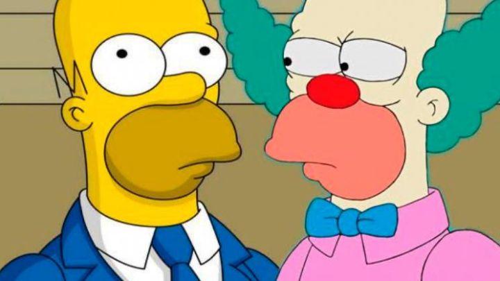 """Fin del misterio: Por qué Homero y Krusty """"el payaso"""" son iguales"""