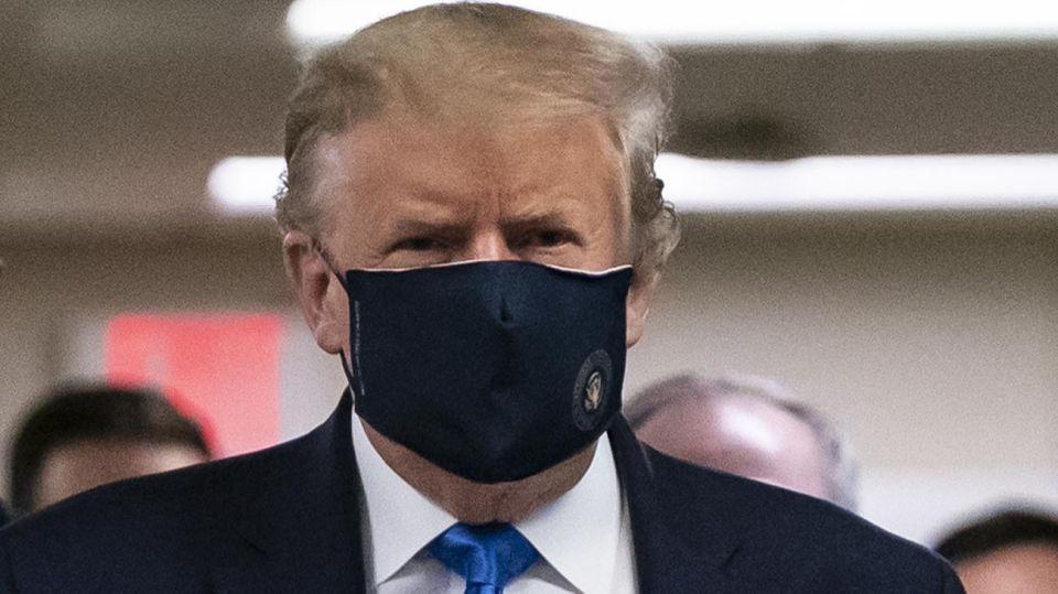 Donald Trump con Tapabocas 20200713