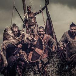 Blandiendo hachas y usando brutales tácticas, los vikingos horrorizaron a toda Europa.
