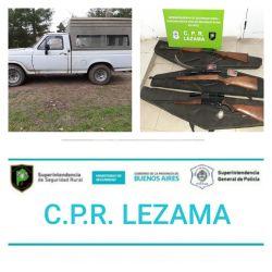 Se detuvo a un ciudadano de Lezama, que se encontraba cazando con perros galgos en la zona rural.