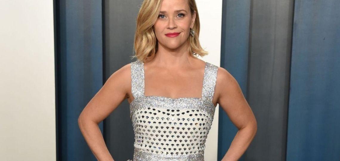 Reese Witherspoon y la historia de sus vestidos solidarios que terminaron en demanda judicial