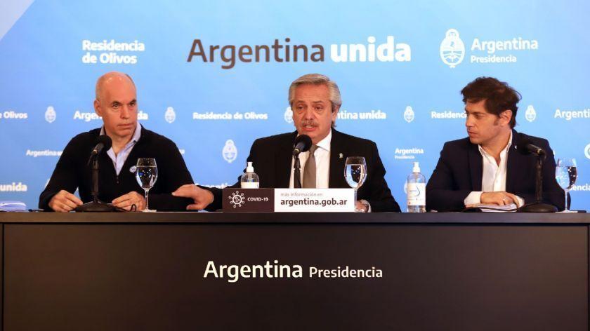 El presidente Alberto Fernández junto al jefe de gobierno porteño Horacio Rodríguez Larreta y el gobernador bonaerense Axel Kicillof.