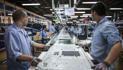 La industria sigue castigada en materia de empleo.
