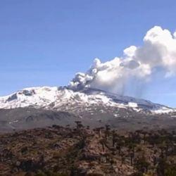 Desde el jueves pasado, el volcán Copahue volvió a la actividad, ante la preocupación de los lugareños.