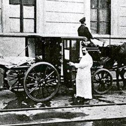 Carro ambulancia. | Foto:Cedoc.