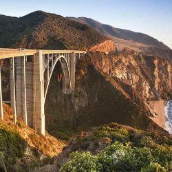 Pacific Coast Highway recorre algo más de 1.000 kilómetros de la costa del Pacífico.