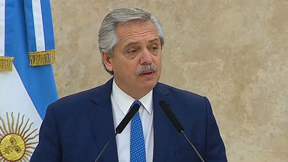 Alberto Fernández ante las Fuerzas Armadas