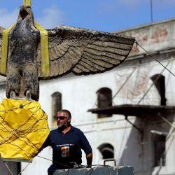 El 2006 el equipo logró rescatar la enorme águila de bronce que se encontraba en la proa del buque.