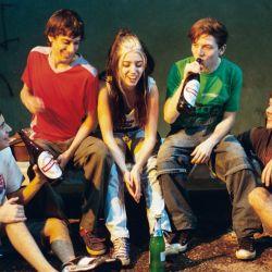Un grupo de amigos, los años 2000 y mucho por descubrir.