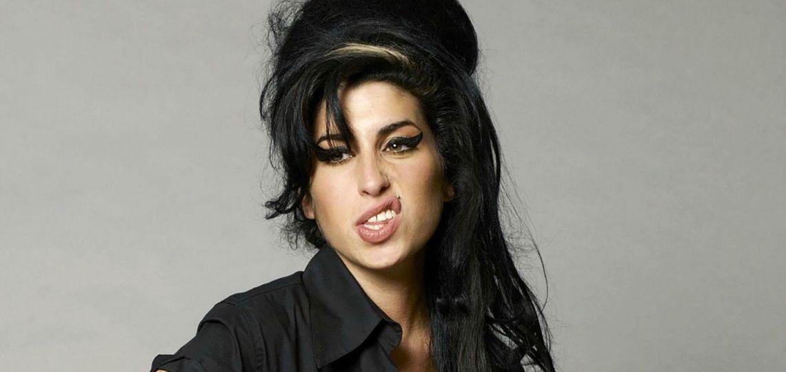 Nueve años sin Amy Winehouse: recordamos sus mejores looks