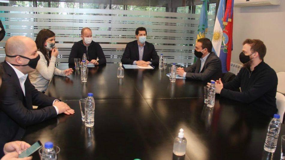 Insaurralde firmó con Wado de Pedro la adhesión al Programa de Apoyo a la Asistencia Local en la Emergencia