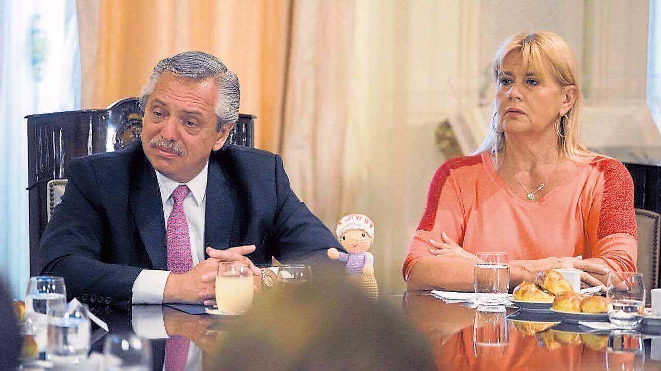 Iniciativa. El Presidente junto a la ministra Losardo, una de las armadoras del proyecto de ley.