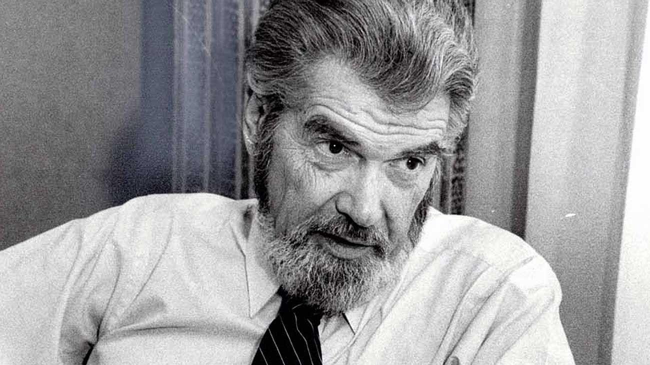 Laurence J. Peter. Toda persona tiene un nivel, un techo hasta el cual asciende.