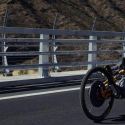 Jean Maggi y su prueba de superación personal: llegar al punto más alto del Himalaya con camino en una bicicleta adaptada