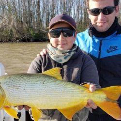 En cuarentena, los guías de Villa Paranacito igual pueden darse el gusto de pescar, porque en Entre Ríos la pesca está habilitada.