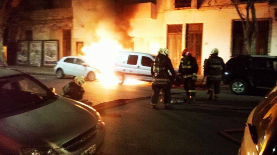 2020 27 07 quemacoches villa crespo ataque