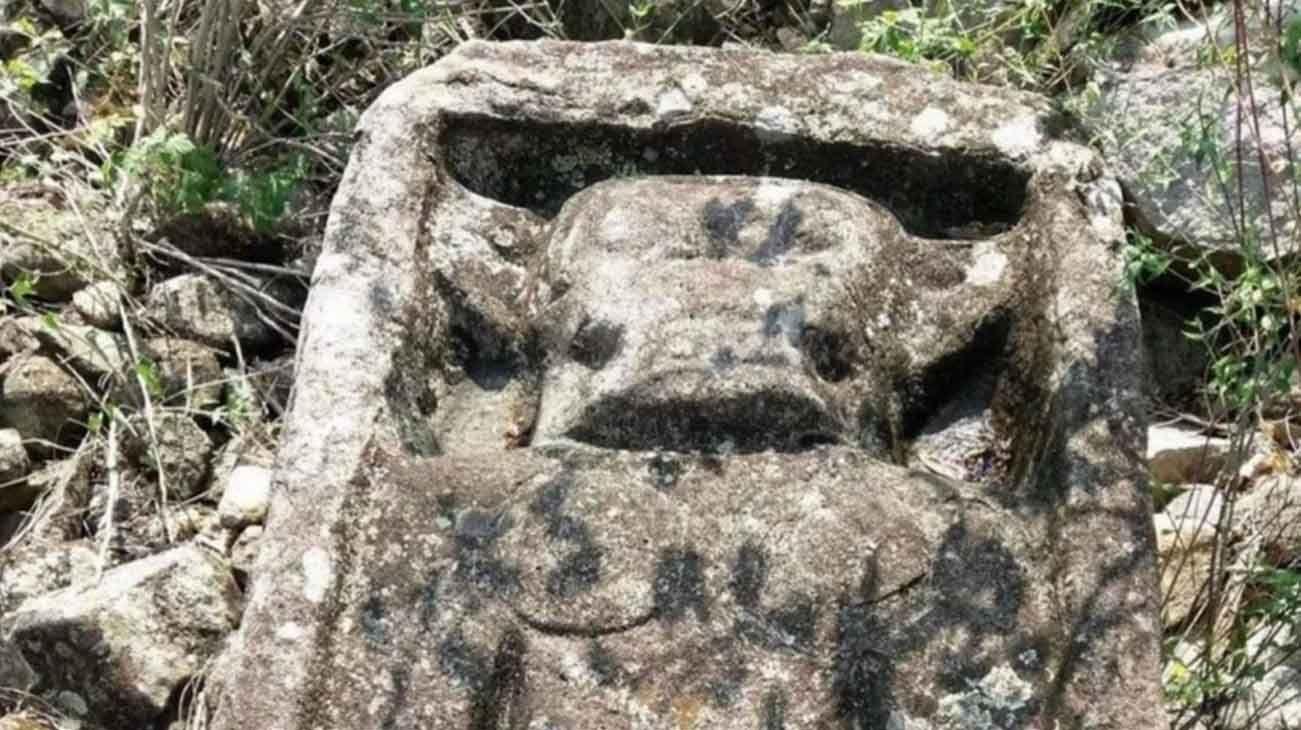 Las dos torres revelan que en la cúspide de la montaña se veneraba al dios del Inframundo.