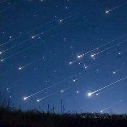 Delta Acuáridas es la única lluvia de estrellas visible desde la Tierra que procede de un cometa que no pertenece al sistema solar.