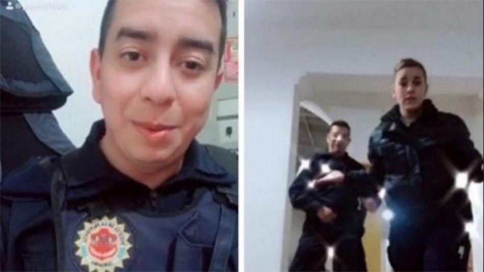 Policías bailando en la comisaría