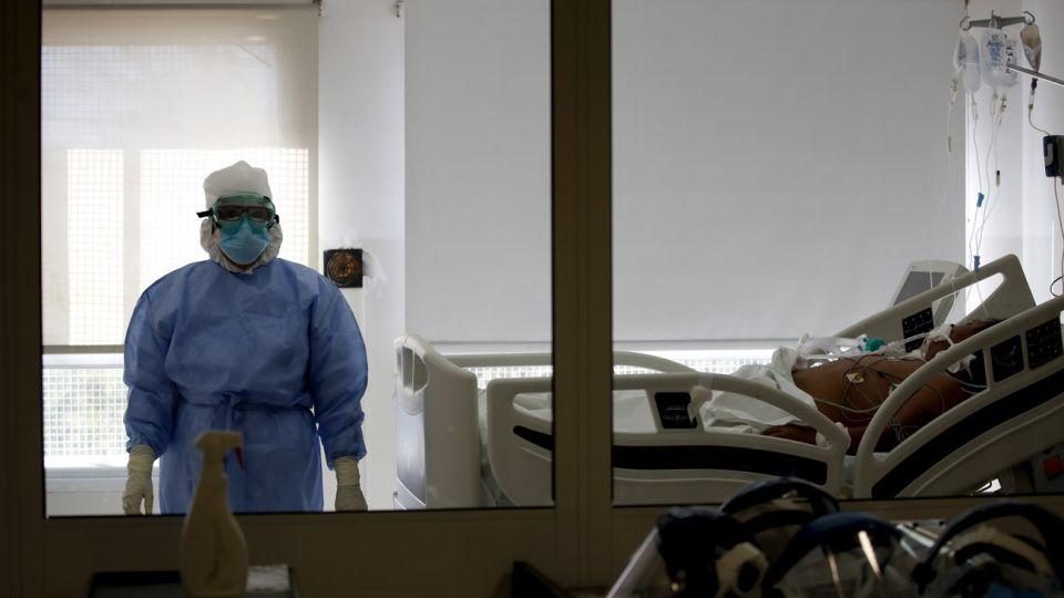 camas requeridas diariamente por coronavirus 20200728