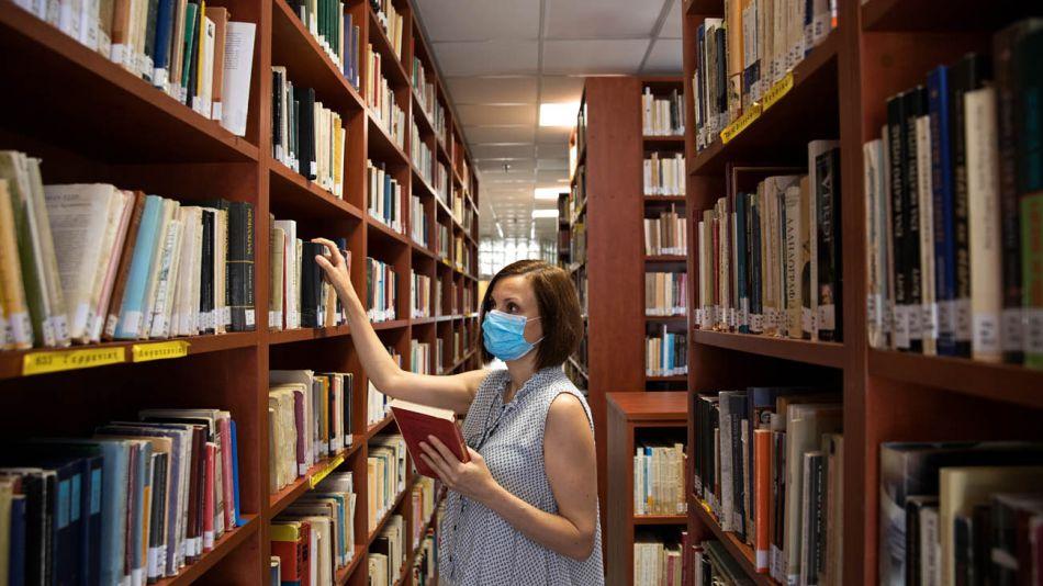 biblioteca atencion al publico 20200731