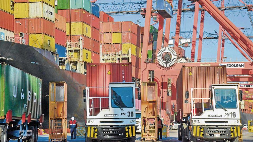 20200801_containers_xinhua_g
