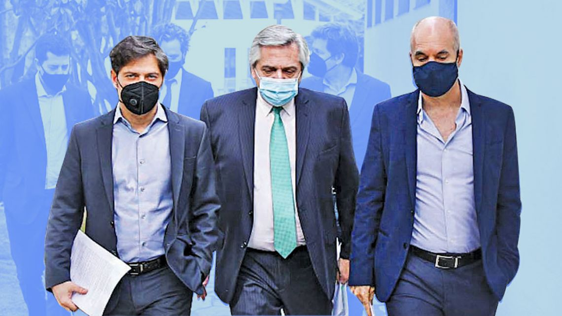 President Alberto Fernández, Buenos Aires City Mayor Horacio Rodríguez  Laretta and Buenos  Aires Province Governor Axel Kicillof,  take a walk before the announcement.