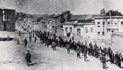 1915. Comienza la  tragedia de los armenios, negada aún por Turquía.