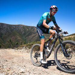 El portugués Tiago Ferrerira estableció un récord de ascenso en MTB en 24 horas.