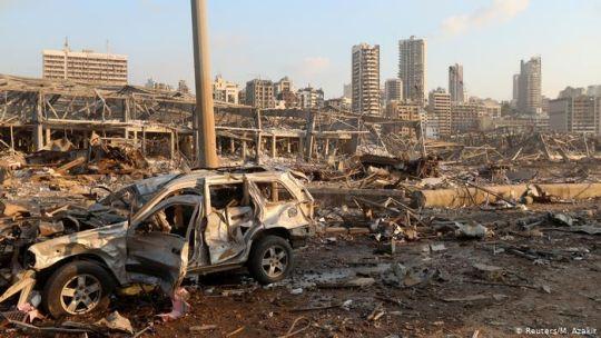 Loa alrededores del puerto de Bairut, donde sucedió la explosión.