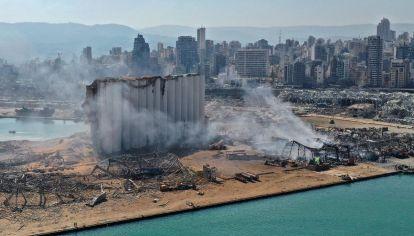 Vistas del puerto de Beirut, donde se produjo la explosión que dejó cerca de 100 muertos y miles de heridos.