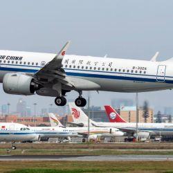 China Airlines ofrece vuelos especiales para niños de seis a diez años, acompañados por sus padres.