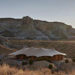 Amangiri Canyon Point es un hotel de lujo inusual, ubicado en una zona inusual, y que por estas características es el favorito de las celebridades y los adinerados que pagan más de 3.500 dólares la noche.