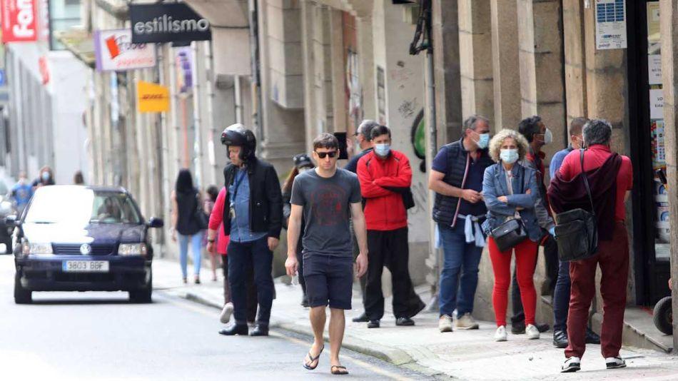 España y jovenes  sin barbijo 20200806