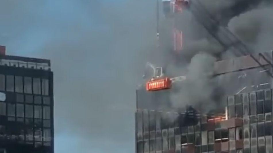 Incendio en un importante edificio céntrico de Bruselas.