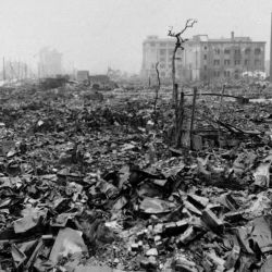 Las dos bombas nucleares arrojadas por EE.UU. dejaron un saldo de entre 110.000 y 200.000 muertos en Hiroshima y Nagasaki.ElAS DOSla
