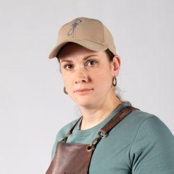 Julliana Souza Baioco es una ingeniera en petróleo brasileña que tiene a la forja como hobbie y será la primera mujer en participar en Desafío Sobre Fuego Latinoamérica..
