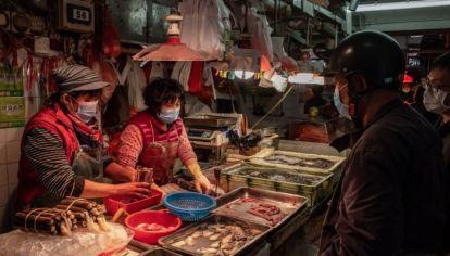 Estados unidos busca el cierre de comercios donde venden animales recién matados.