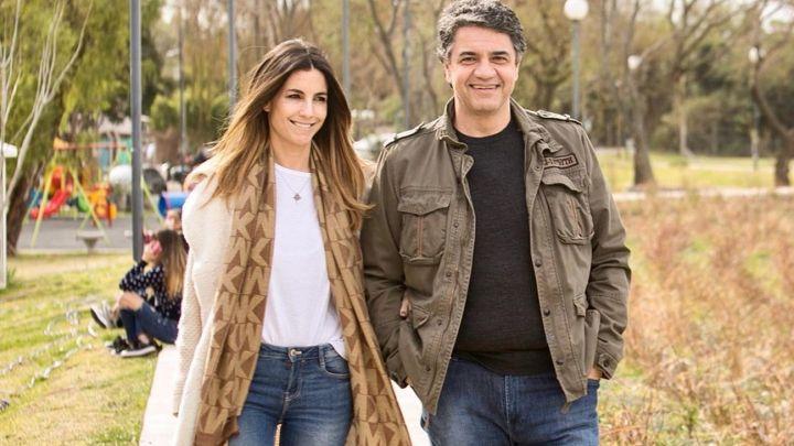 """María Belén Ludueña y Jorge Macri festejaron su segundo aniversario de novios en """"La noche de Mirtha"""""""