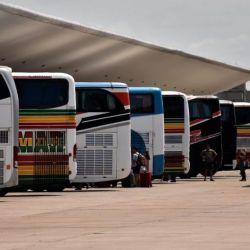 Cientos de varados en todos el territorio nacional esperan que se reinstale el transporte público para poder volver a sus casas.