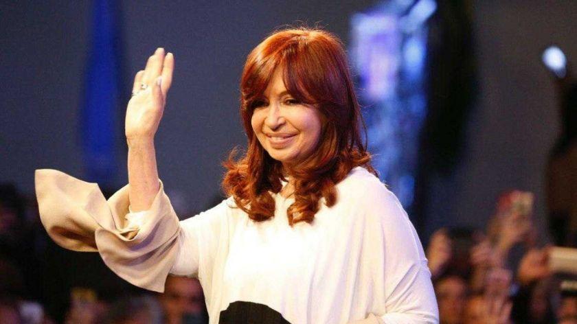 El Gobierno acusa a Clarín de intimidar a Cristina Kirchner tras una nota del banderazo