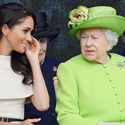 El gesto de la reina.