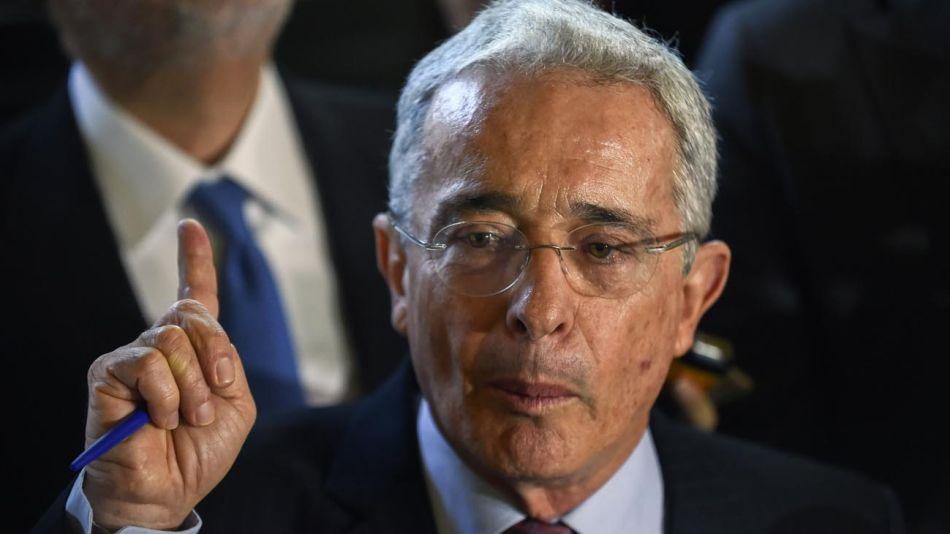 Álvaro Uribe 20200811
