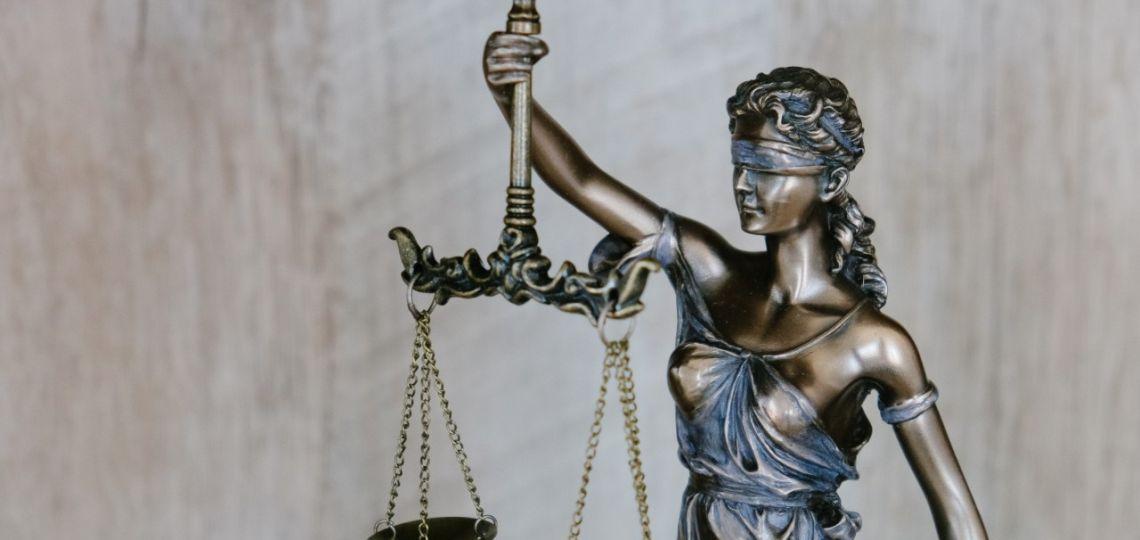 Así es el juicio en el que 10 mil mujeres demandan a una empresa de implantes mamarios