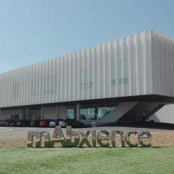 MAbxience es una compañía biotecnológica internacional, especializada en la investigación, desarrollo y fabricación de anticuerpos monoclonales.