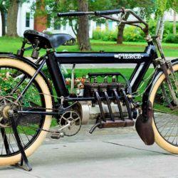 El diseño de la Pierce Arrow Four se basó en la moto FN de fabricación belga.